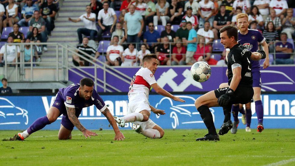 Erzgebirge Aue spielt gegen Aufstiegsfavorit Stuttgart 0:0.