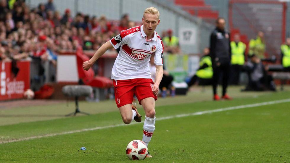 Luke Hemmerich wechselt zu den Würzburger Kickers © imago images/ Steffen Beyer