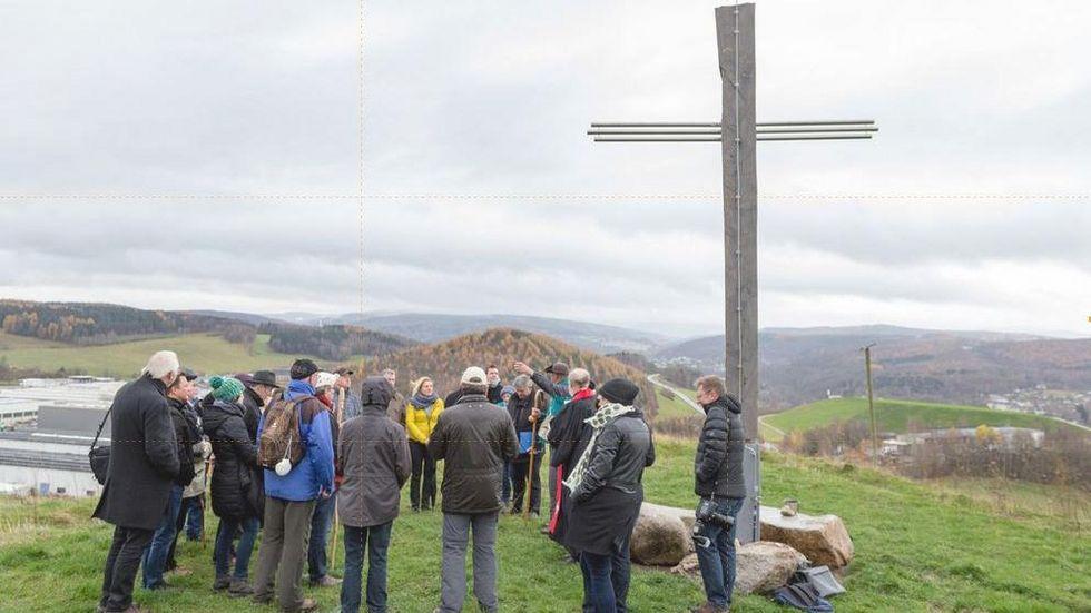 Bei der Weihe des Pilgerkreuzes auf der Halde in Alberoda (2017).