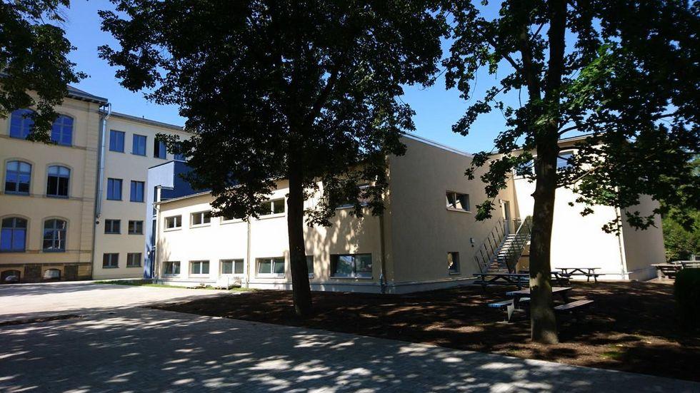 Der neue Anbau der Oberschule bietet Platz für eine Turnhalle und moderne Fachkabinette.Foto © Sindy Einhorn