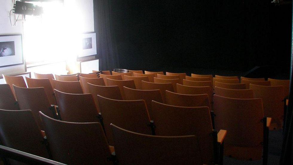 Die kleine Bühne bietet ein Programm für die ganze Familie. © Theater Variabel