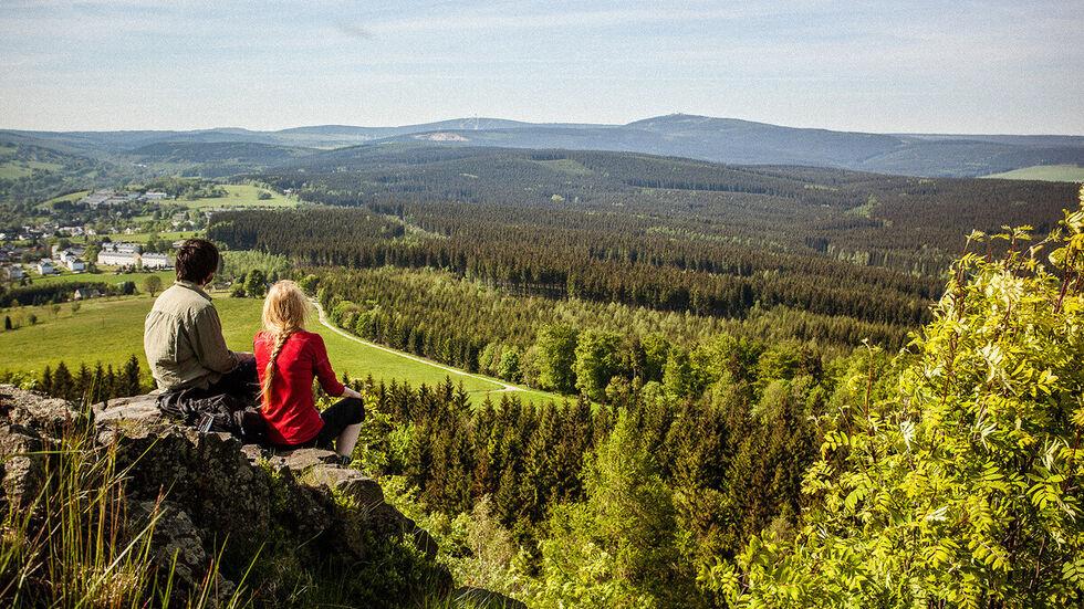 Der Kammweg bietet Ruhe und atemberaubende Aussichten.