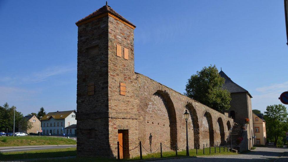 Besonderheit von Marienberg ist der historische Stadtkern mit den Resten der historischen Stadtmauer, dem Zschopauer Torturm und dem Roten Turm.