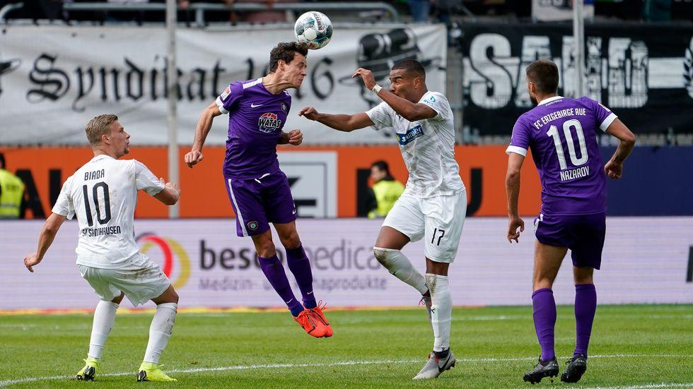 Erzgebirge Aue spielt in Sandhausen 2:2-Unentschieden.